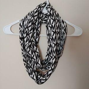 Michael Kors Black & White Cirlce Infinity Scarf